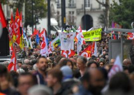 Les grèves françaises paralysent les services publics