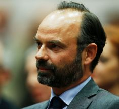 Gilets jaunes : Édouard Philippe suspend la hausse des taxes sur le carburant