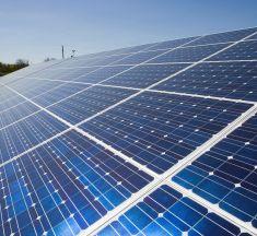 Bruxelles approuve un financement public français de 600 millions d'euros pour l'énergie solaire