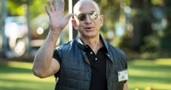 Jeff Bezos, l'homme le plus riche de l'histoire moderne
