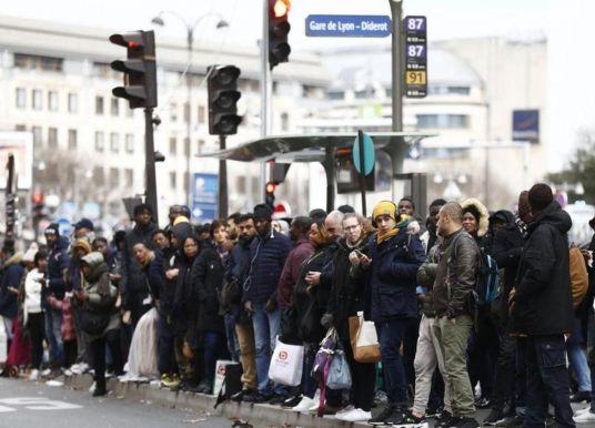 L'économie française recule de 0,1% au quatrième trimestre