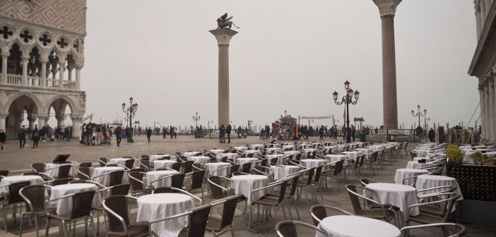 Coronavirus : le personnel du Louvre force la fermeture du musée et Venise devient une ville fantôme