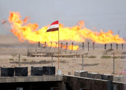 Le français Total signe des contrats pétroliers et gaziers de grande envergure avec l'Irak